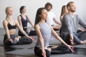 Comment choisir une formation de professeur de yoga ?